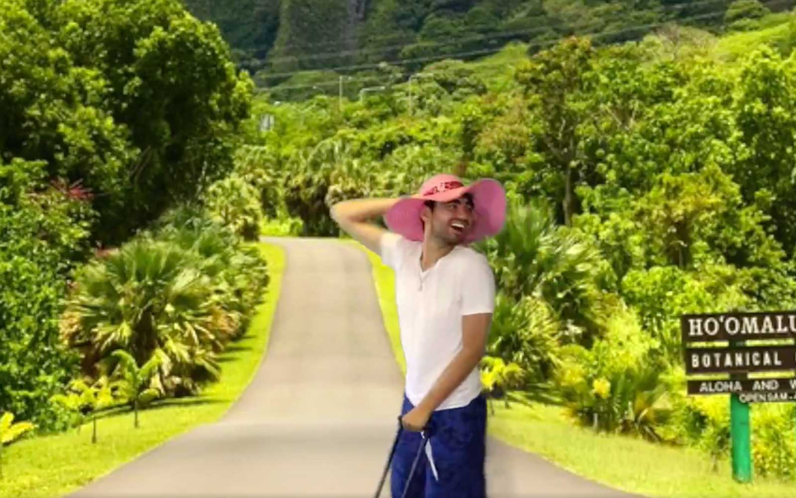 This Guy Couldn't Afford a Hawaiian Vacation so He Faked It