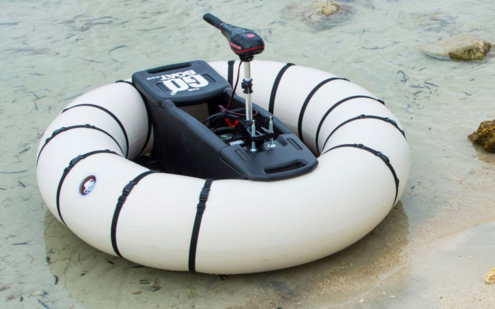 This Motorized Pool Float Lets You Play Bumper Boats Anywhere, Anytime