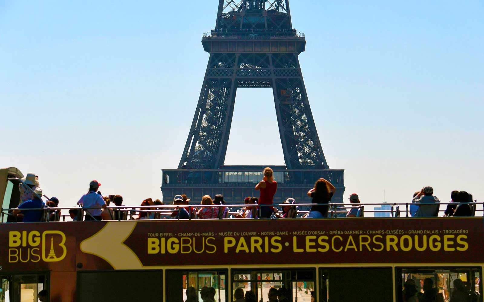 Paris Deputy Mayor Says Tour Buses Are 'No Longer Welcome' in the City Center
