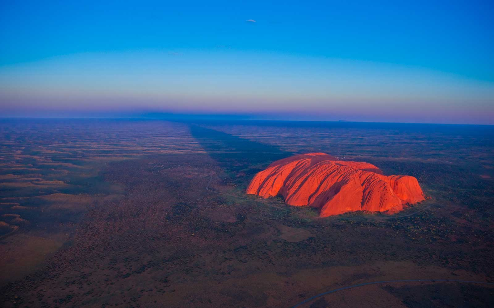 People Are Still Flocking to Climb Uluru Despite Upcoming Ban
