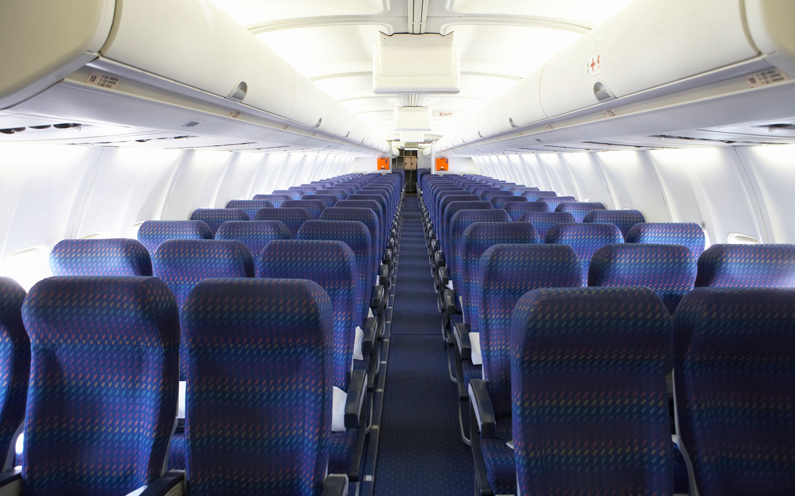Film Director Finds He's the Only Passenger on Plane, Decides to Chronicle His Solo Flight