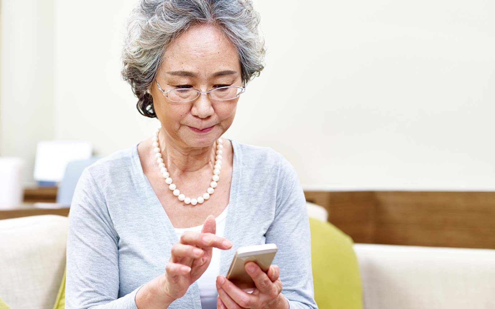 These 9 Apps Are Game-changers for Seniors Who Love to Travel