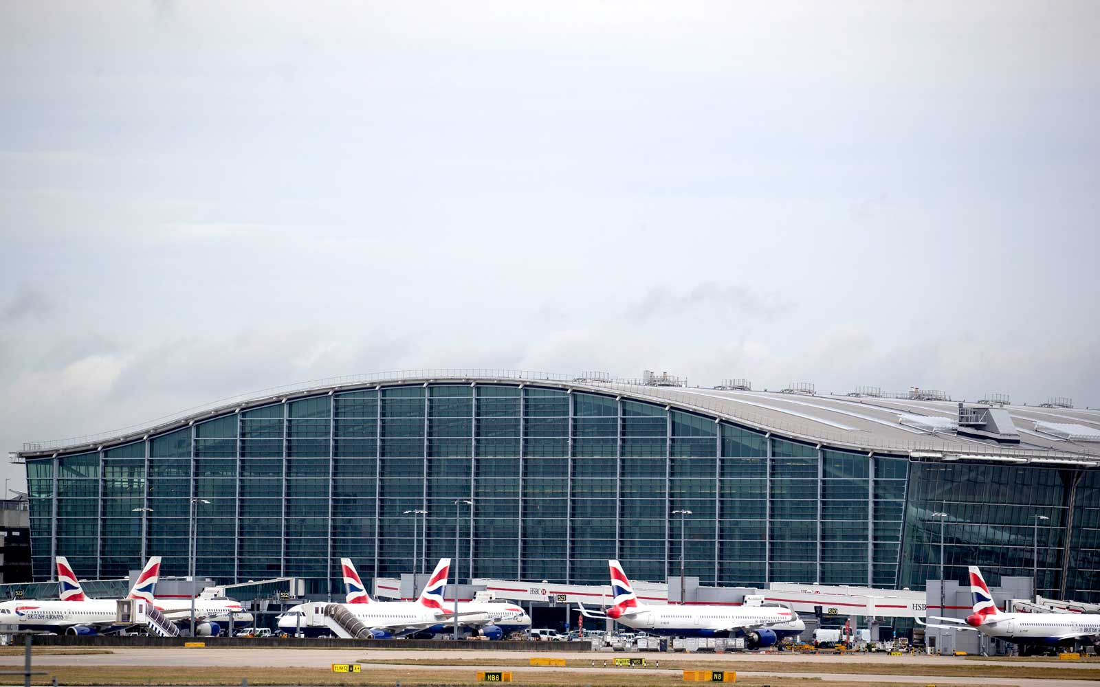 British Airways Cancels Flights for 200,000 Passengers As Pilots Strike