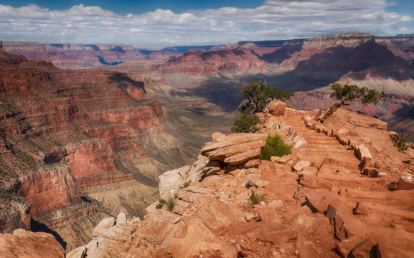 British Tourist, 55, Dies in Arizona Skydiving Crash Near the Grand Canyon