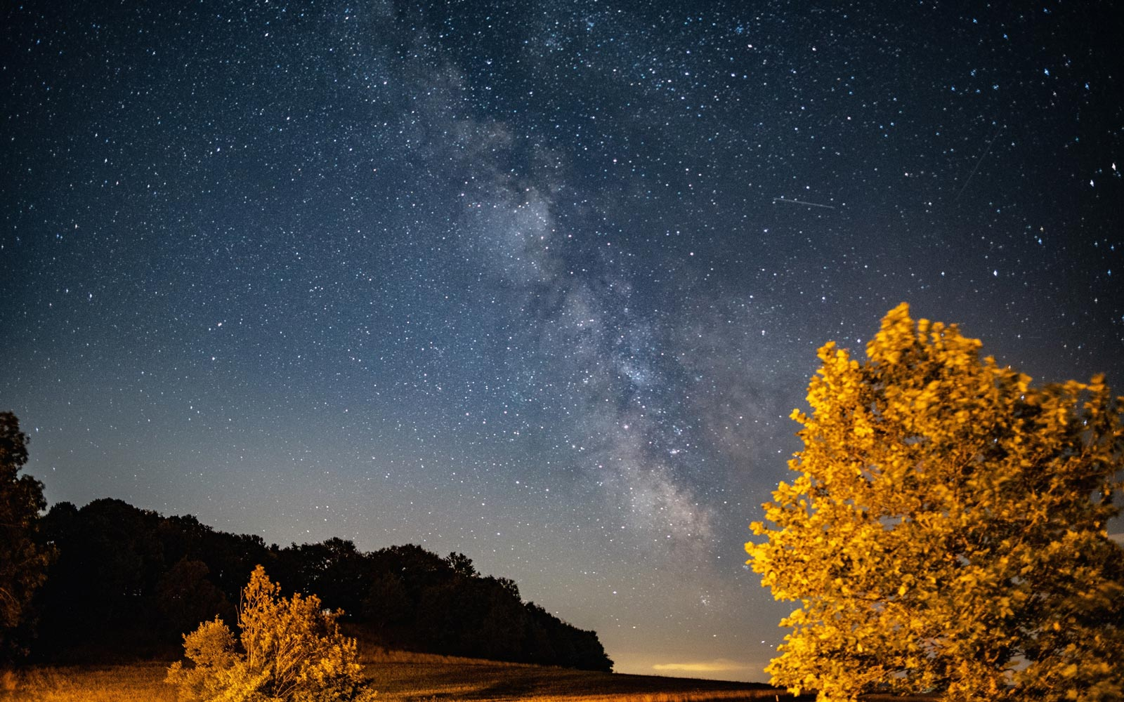 Monday's Fall Equinox Is the Perfect Time to See the Milky Way and Northern Lights