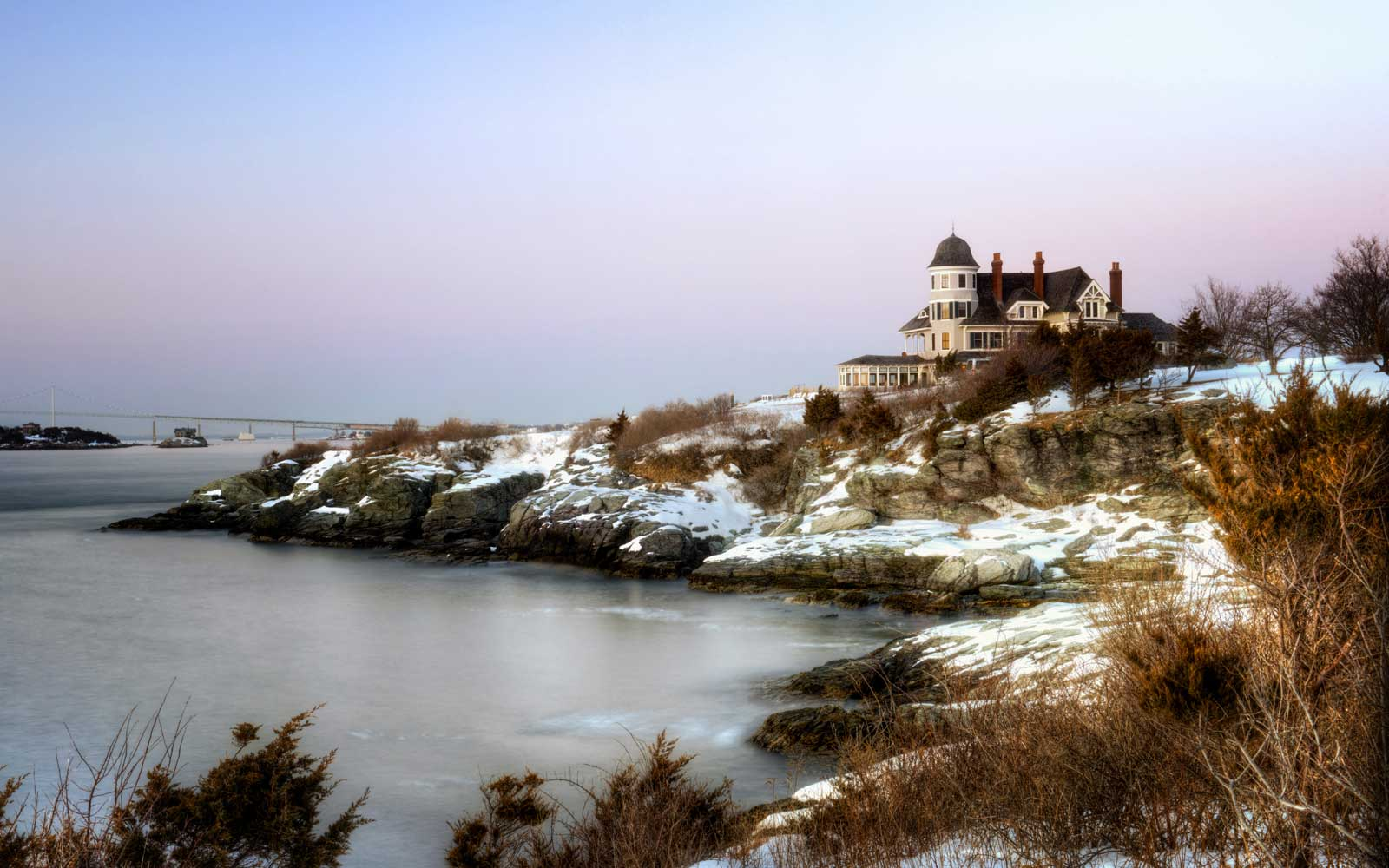 8 U.S. Beach Towns That Are Just as Magical in Fall and Winter