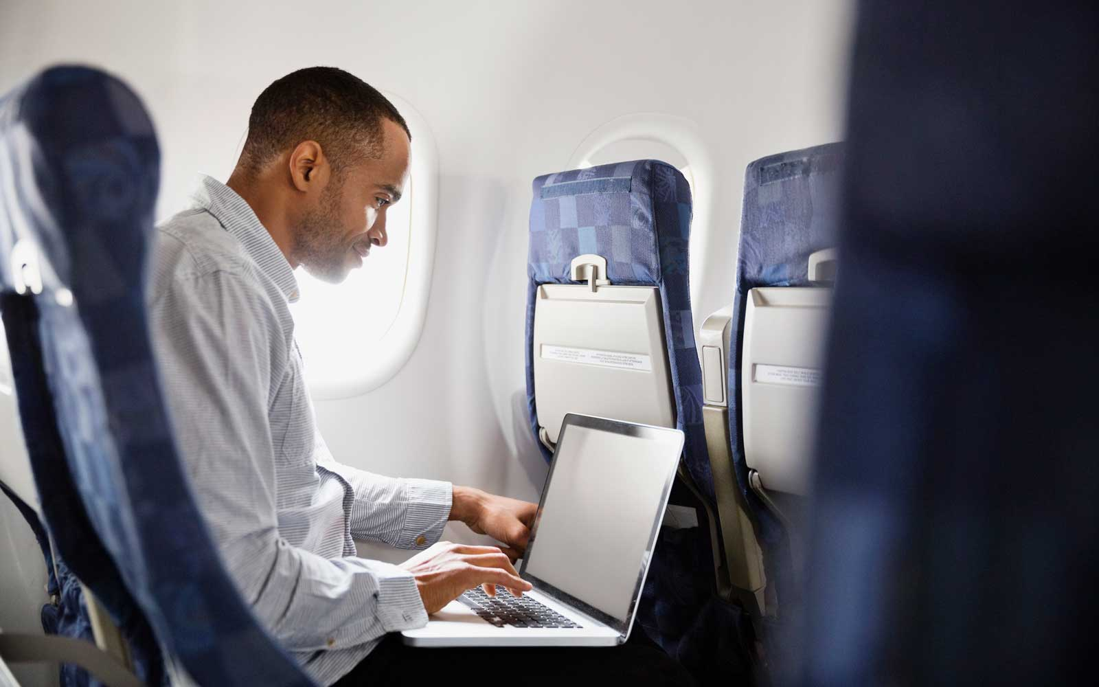 How to Get Work Done on a Plane, According to Absurdly Productive Frequent Fliers