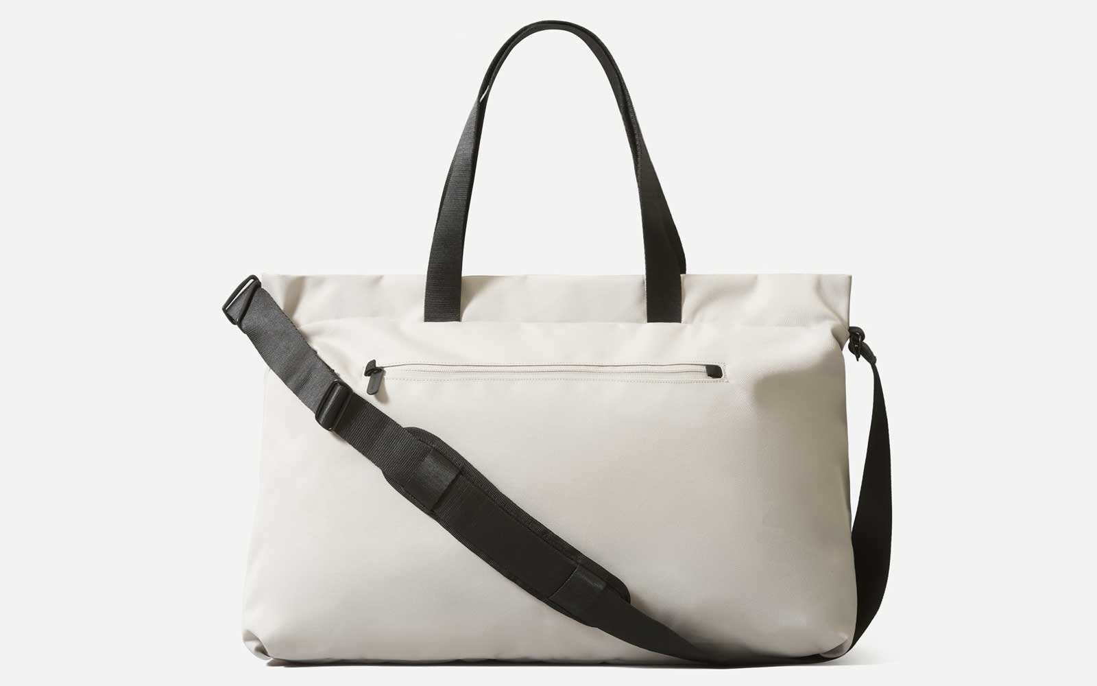 This new weekender bag from Everlane is the brand's most convenient travel bag yet