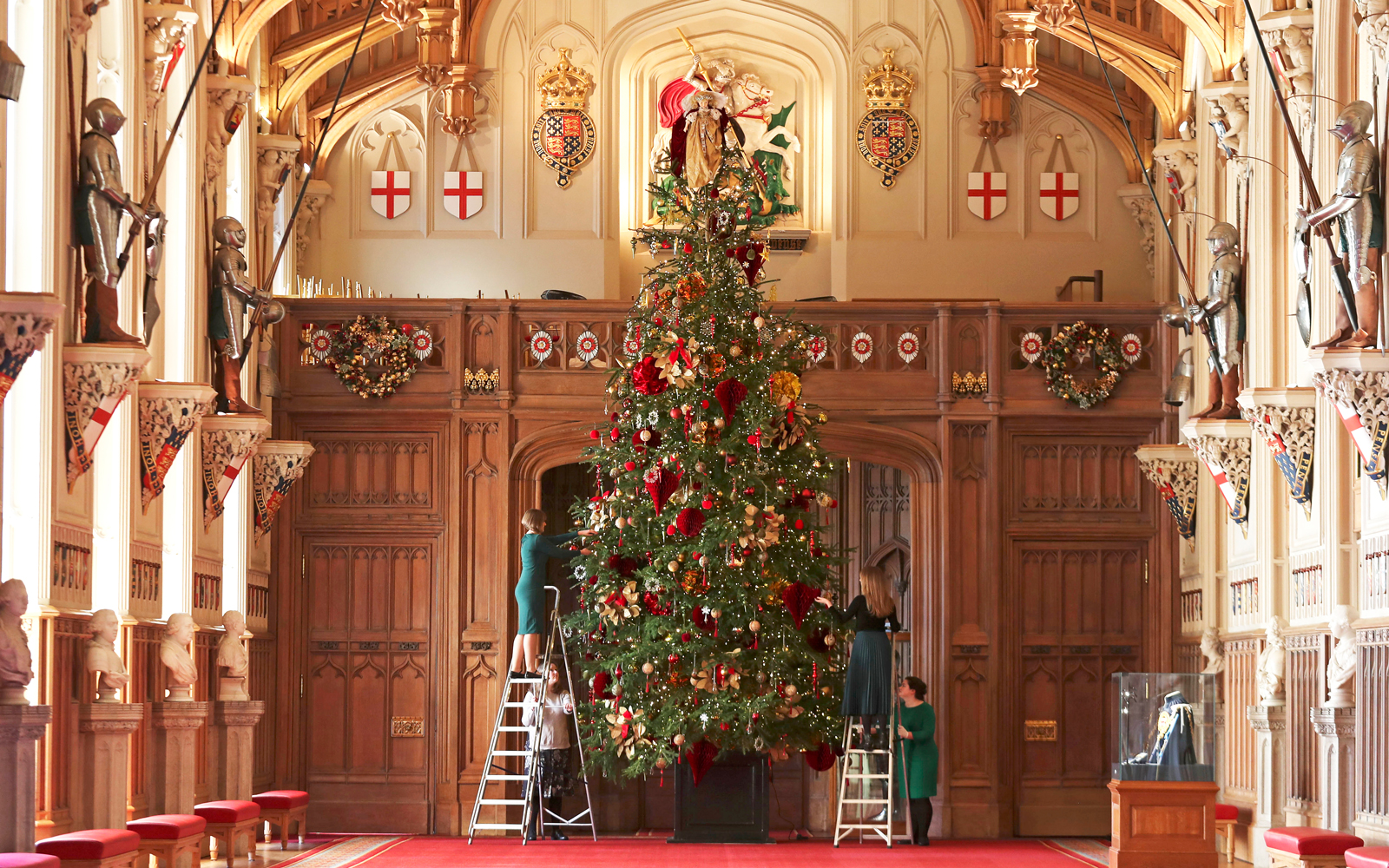 Windsor Castle S Christmas Decorations Are Seriously