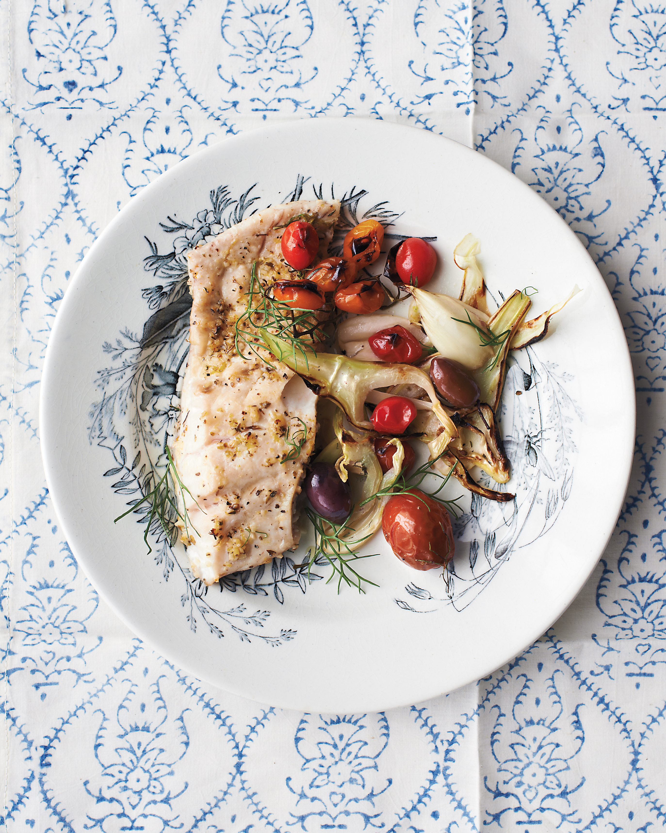 Broiled Striped Bass With Tomatoes and Fennel