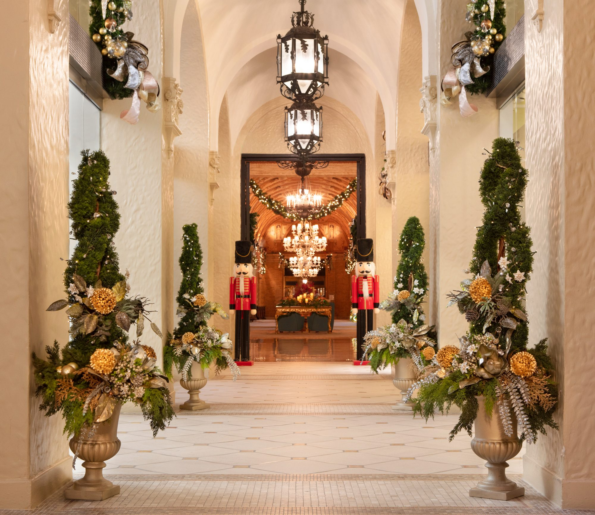 These Four U.S. Hotels Are Known for Their Amazing Holiday Displays