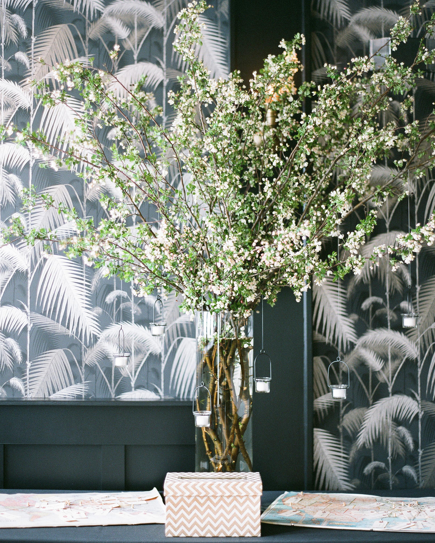 ashley-jonathon-wedding-arrangement-49-s111483-0914.jpg