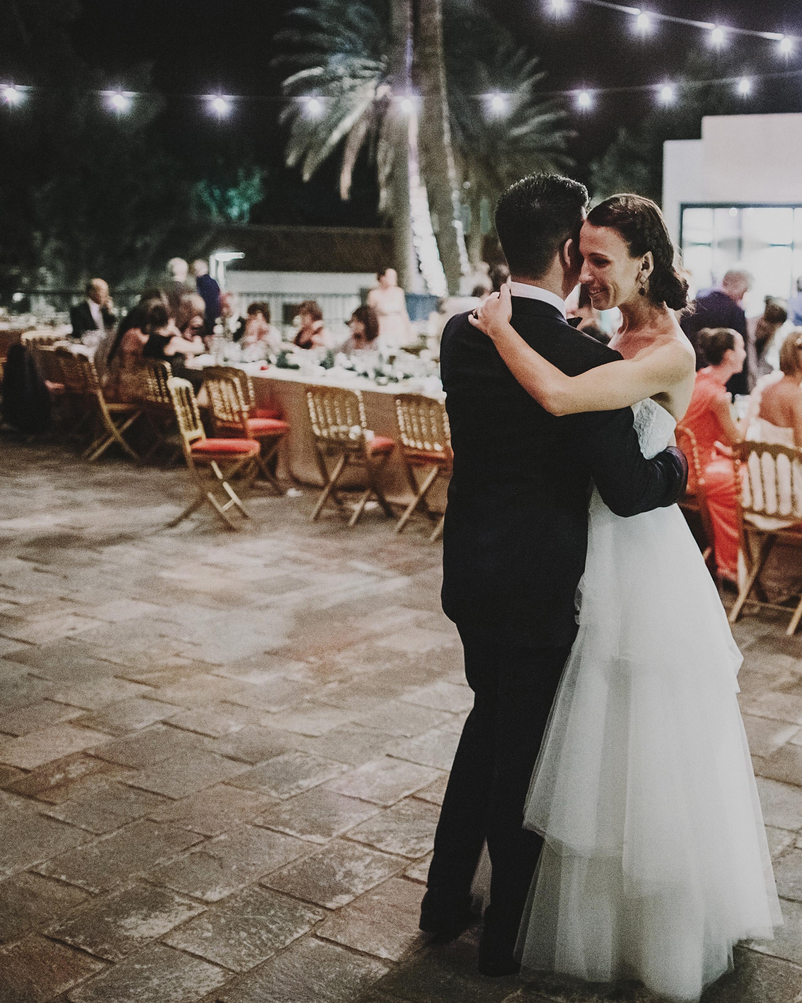 tamara-brett-wedding-firstdance-1608-s112120-0915.jpg