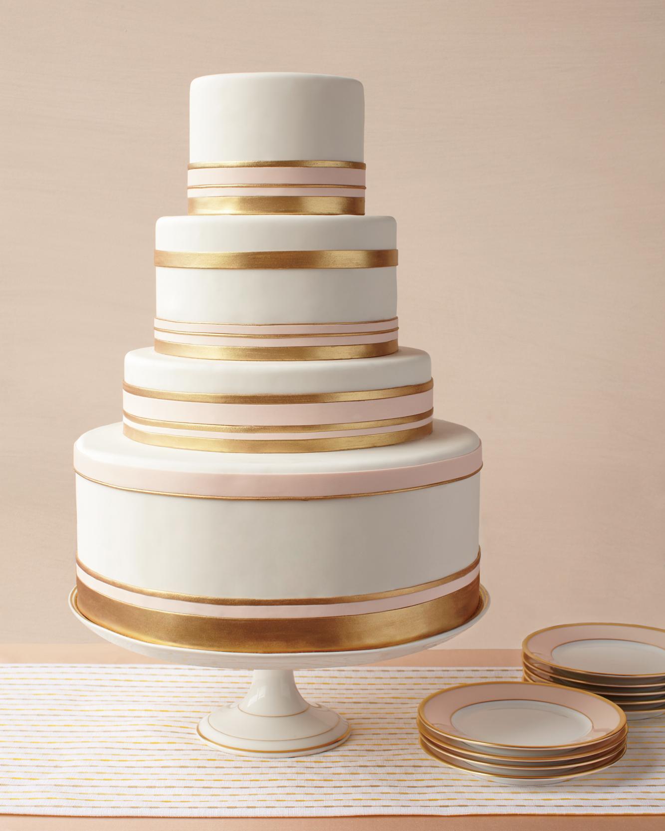 gold-band-cake-mwd107844.jpg