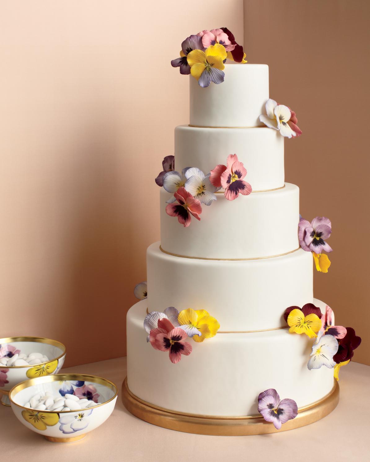 pansies-cake-mwd107844.jpg