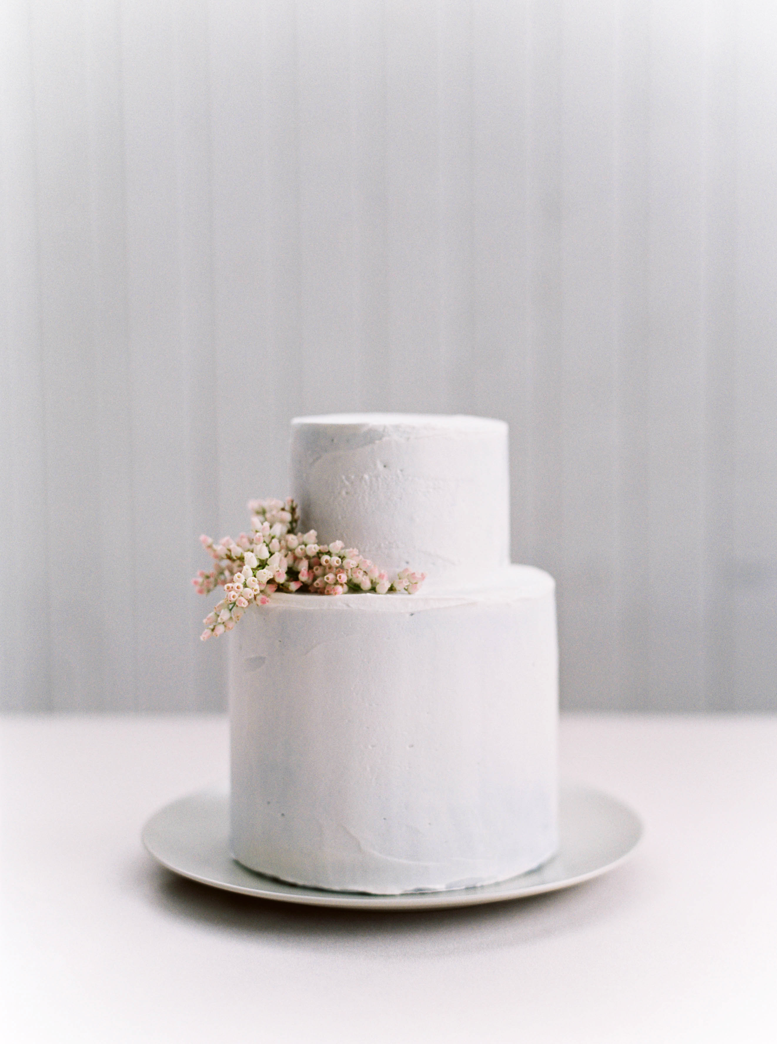 floral wedding cakes maria lamb white simple clean classy