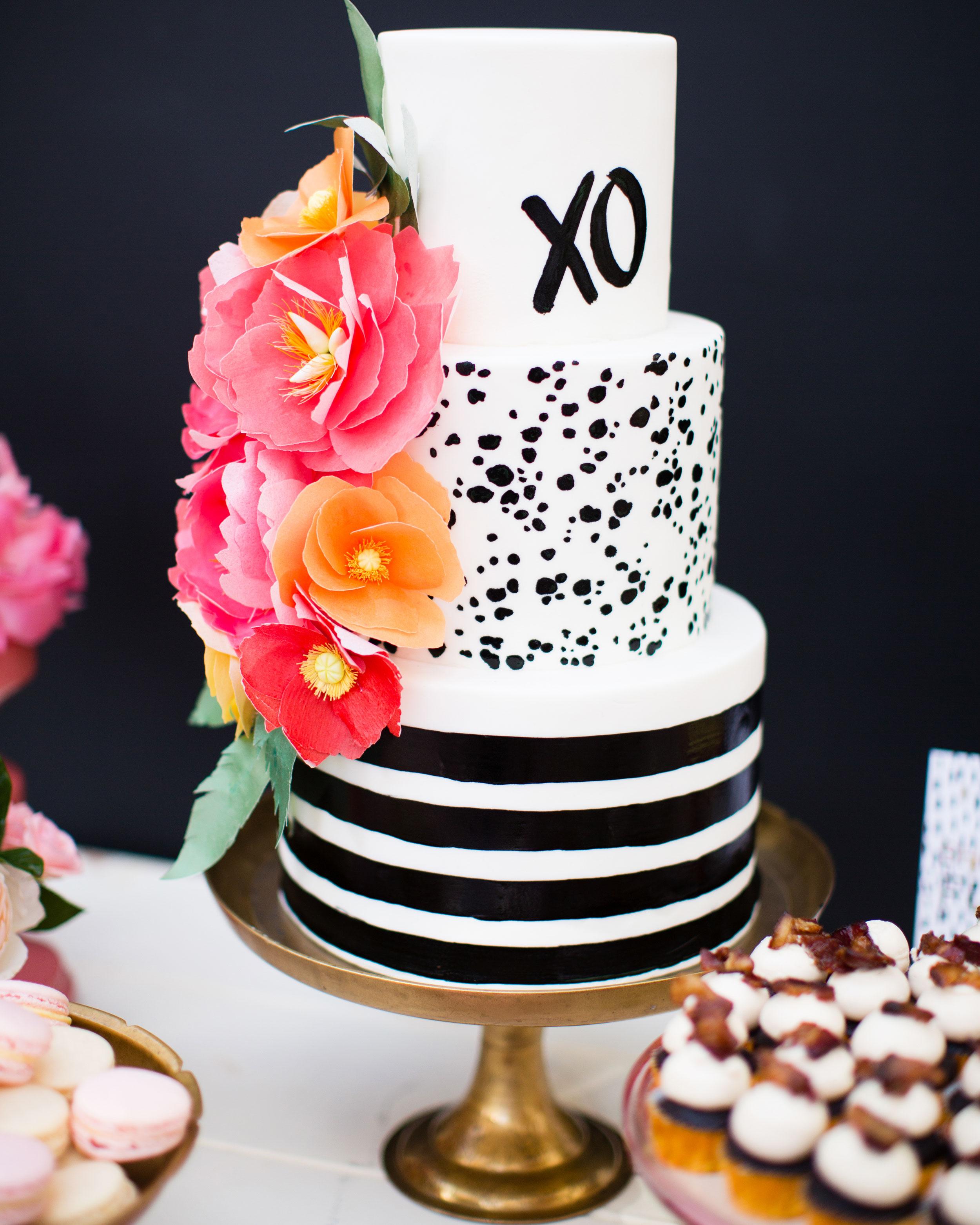 richelle-tom-wedding-cake-649-s112855-0416.jpg