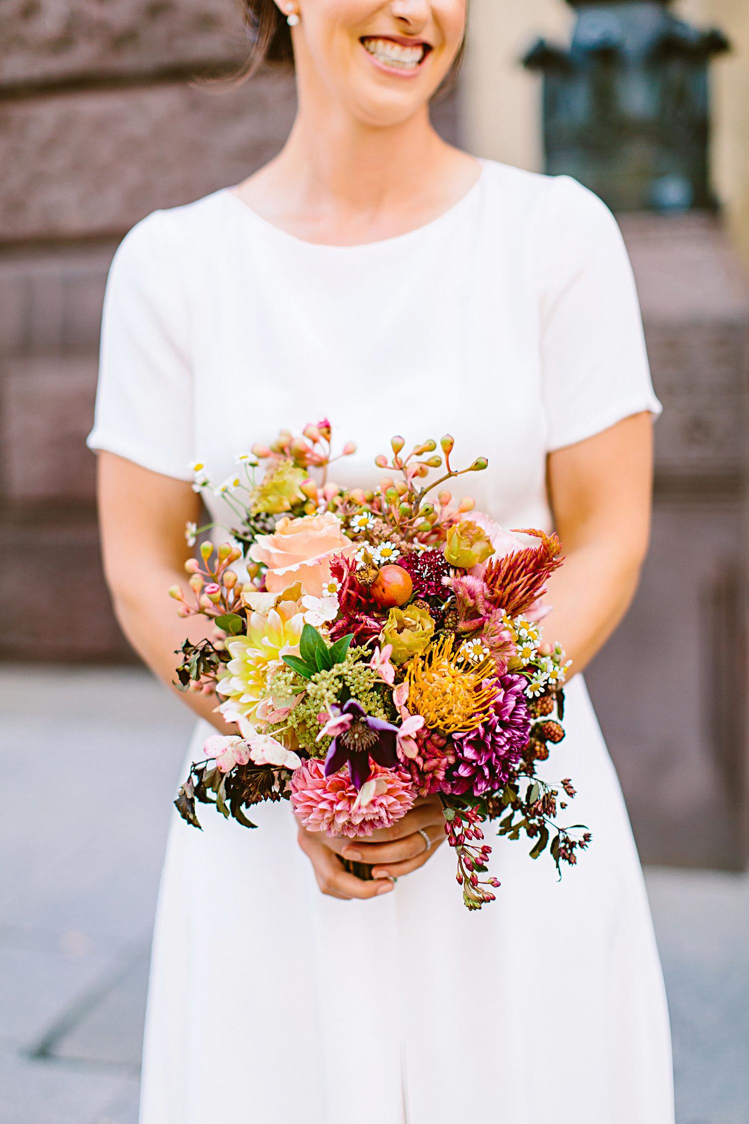 deborah meryl wedding bouquet
