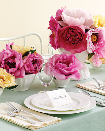 Flower Centerpiece with Cafe au Lait Bowls