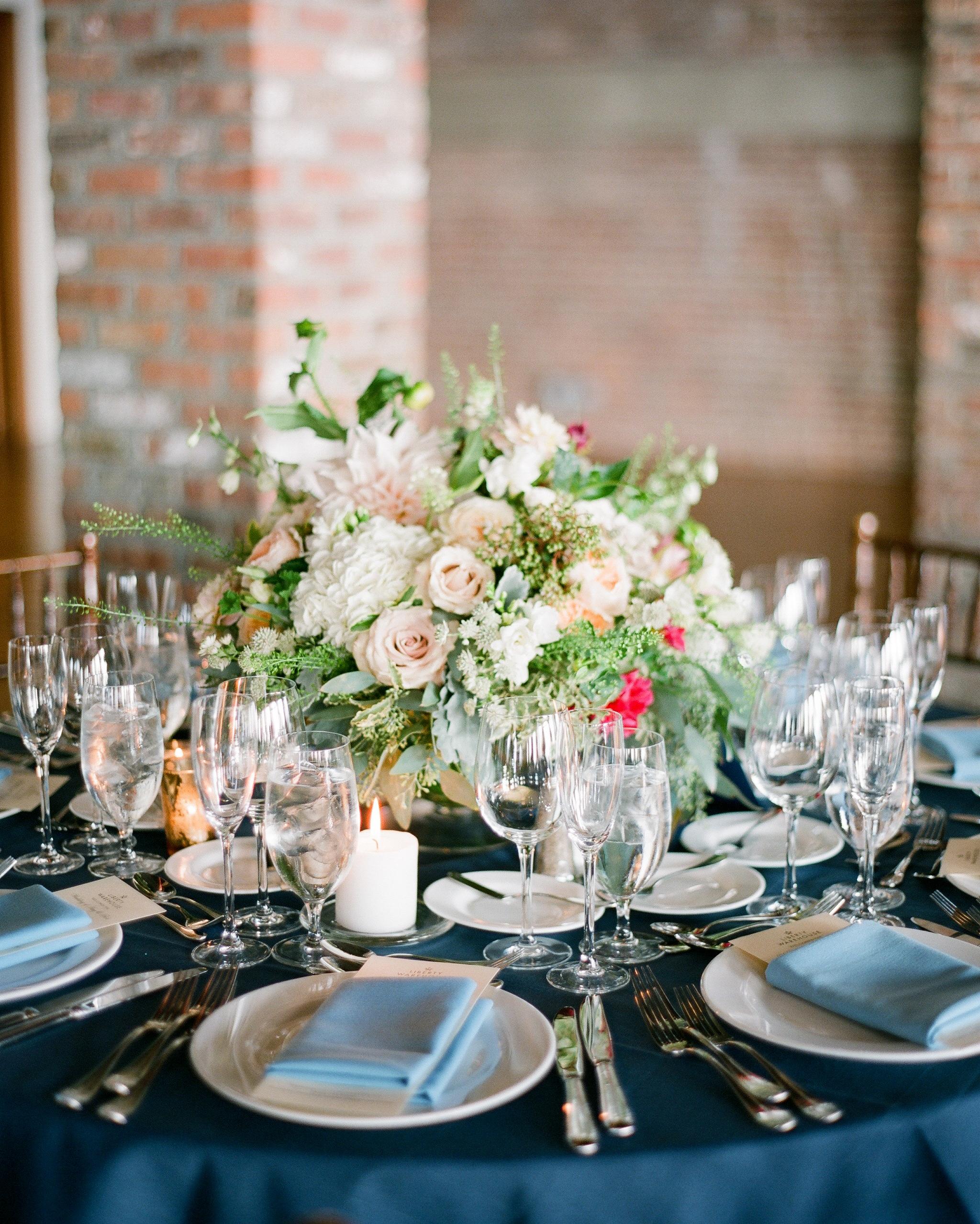 amy-bob-wedding-table-0753-s111884-0715.jpg