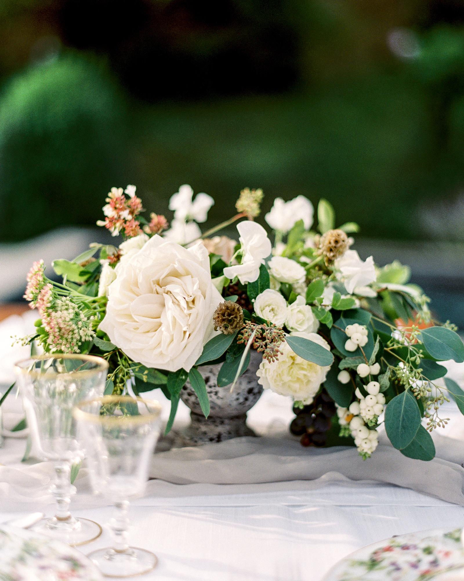 christine-dagan-wedding-centerpiece-4280_14-s113011-0616.jpg
