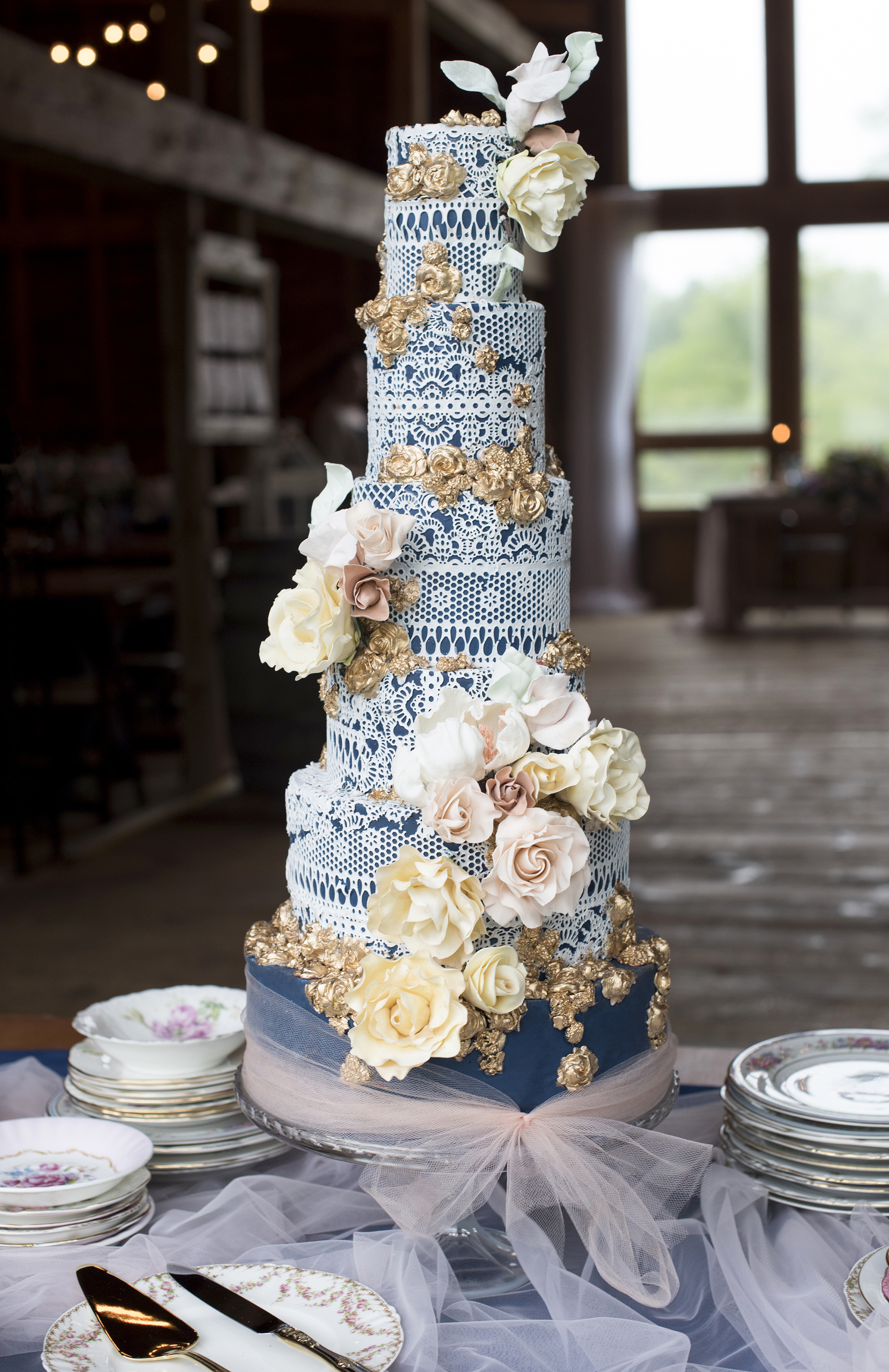 eyelet lace overlay wedding cake