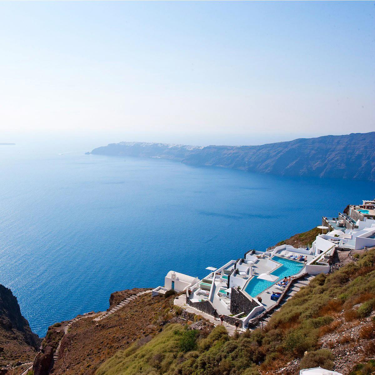 best places for honeymooners hotel santorini