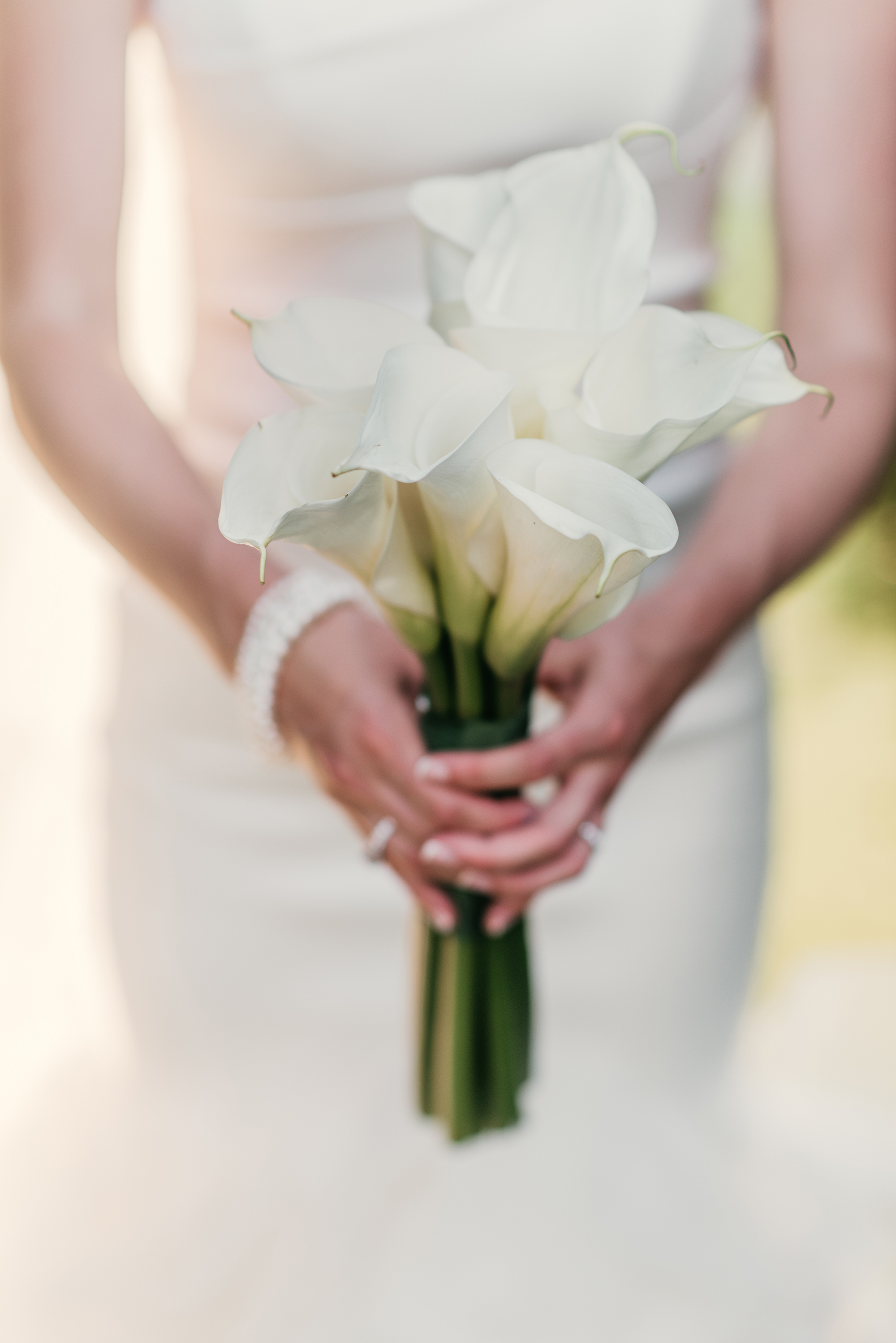 single flower calla lily bouquet