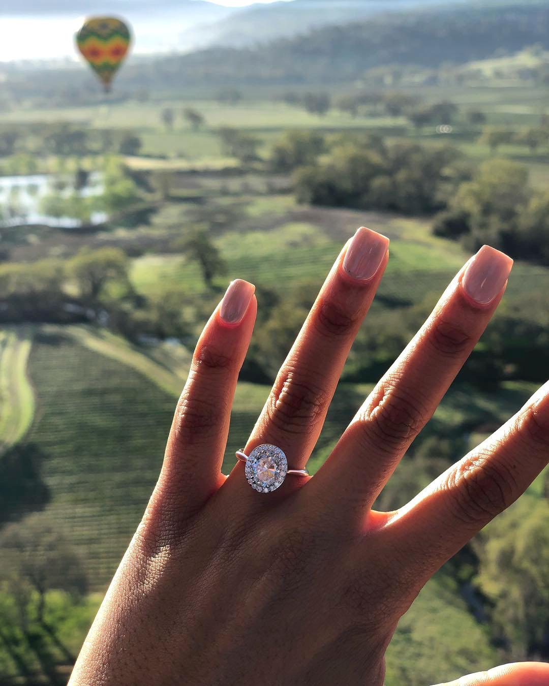 engagement ring selfie hot air balloon ride