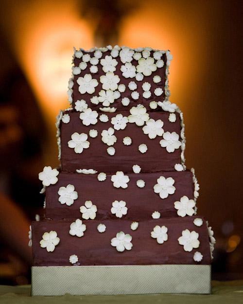 msw_travel09_vail_chocolate_cake.jpg