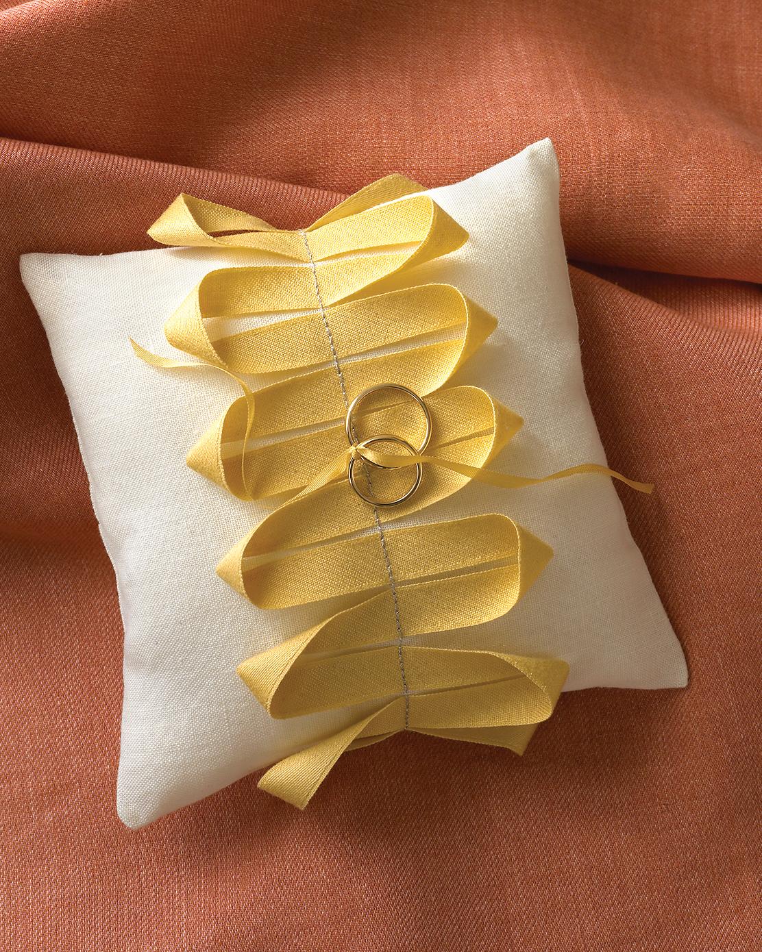 diy-ring-pillows-mwd103633-ribbon-0515.jpg