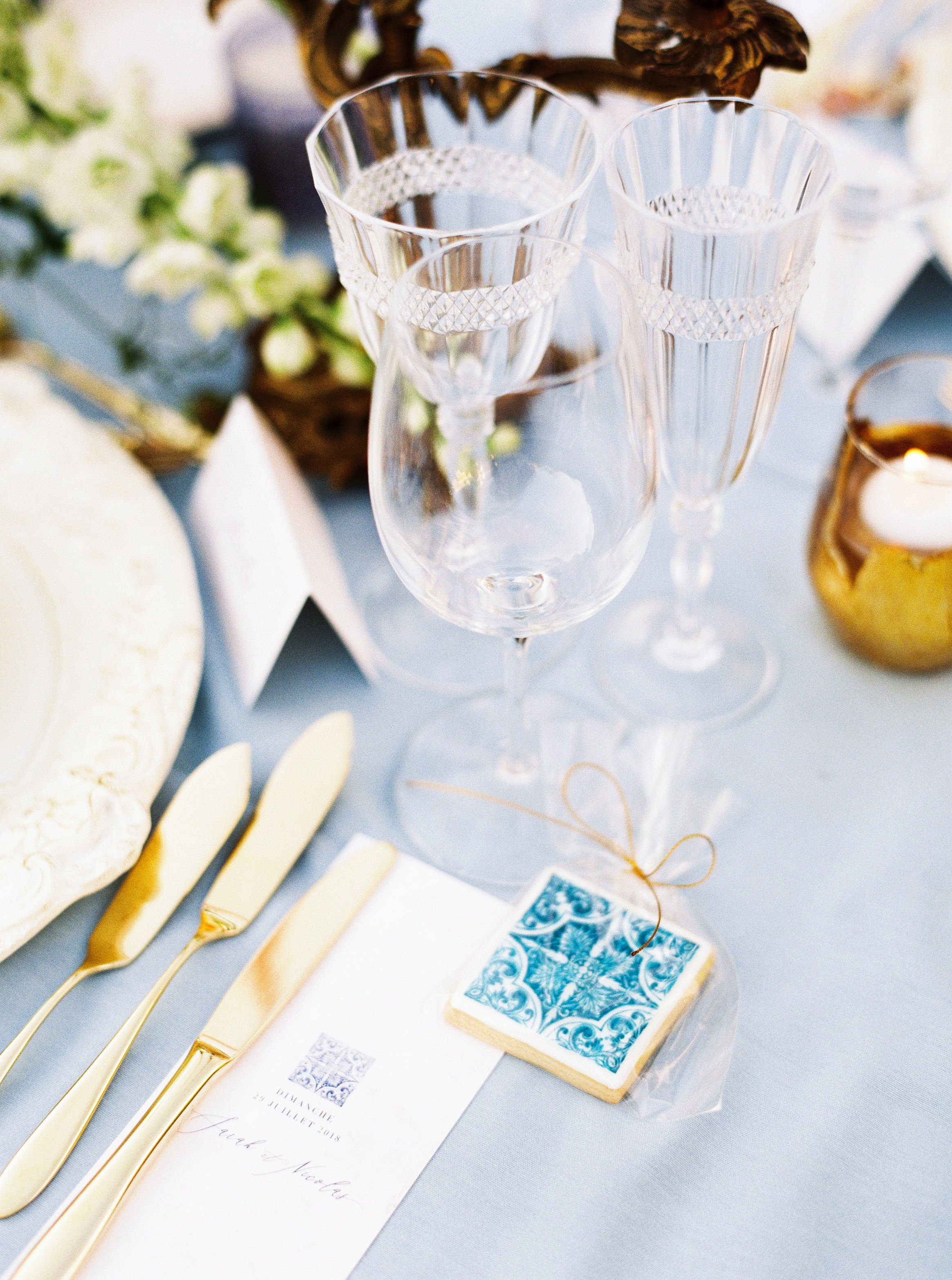 blue tile inspired cookies wedding favors