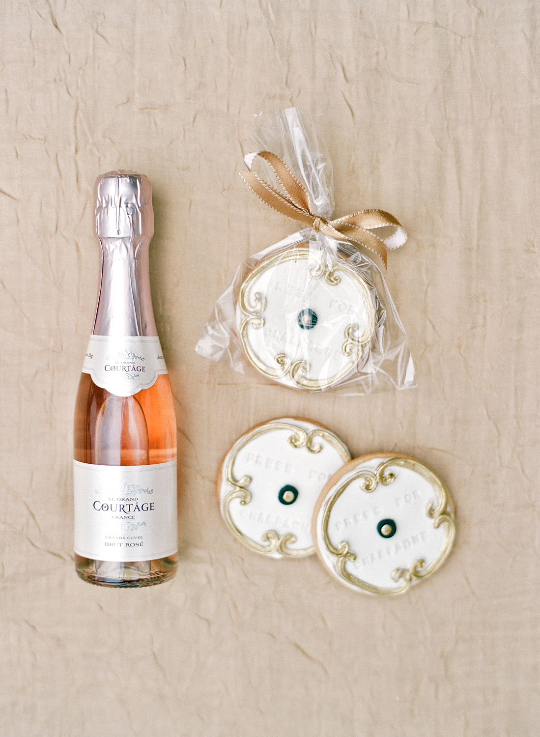 shannon jon wedding champagne cookies