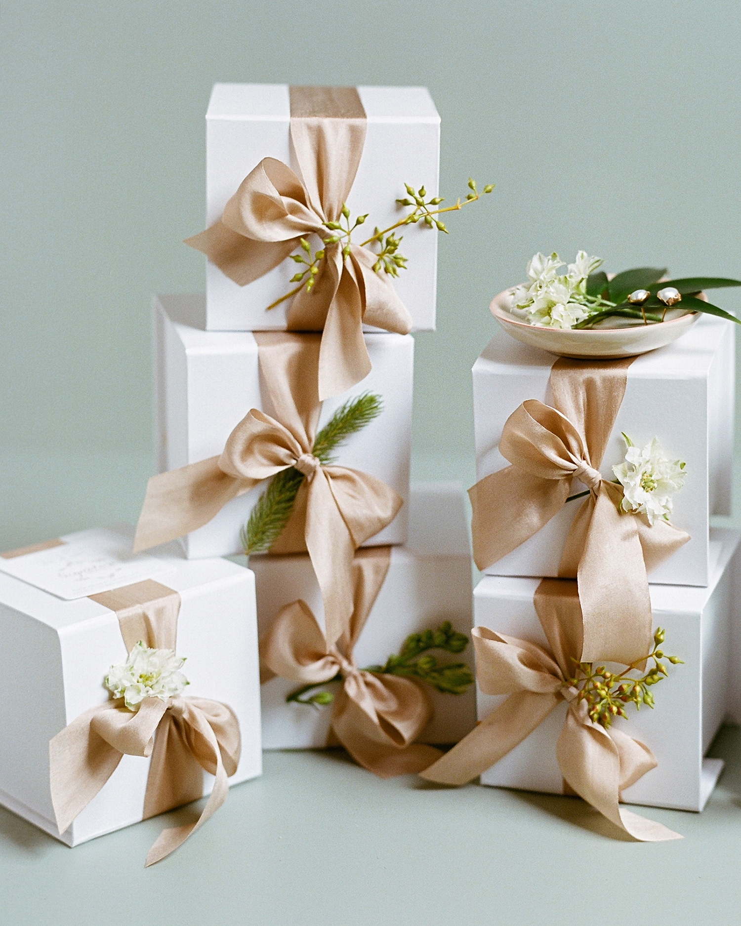 lindsay evan wedding boxes with ribbon