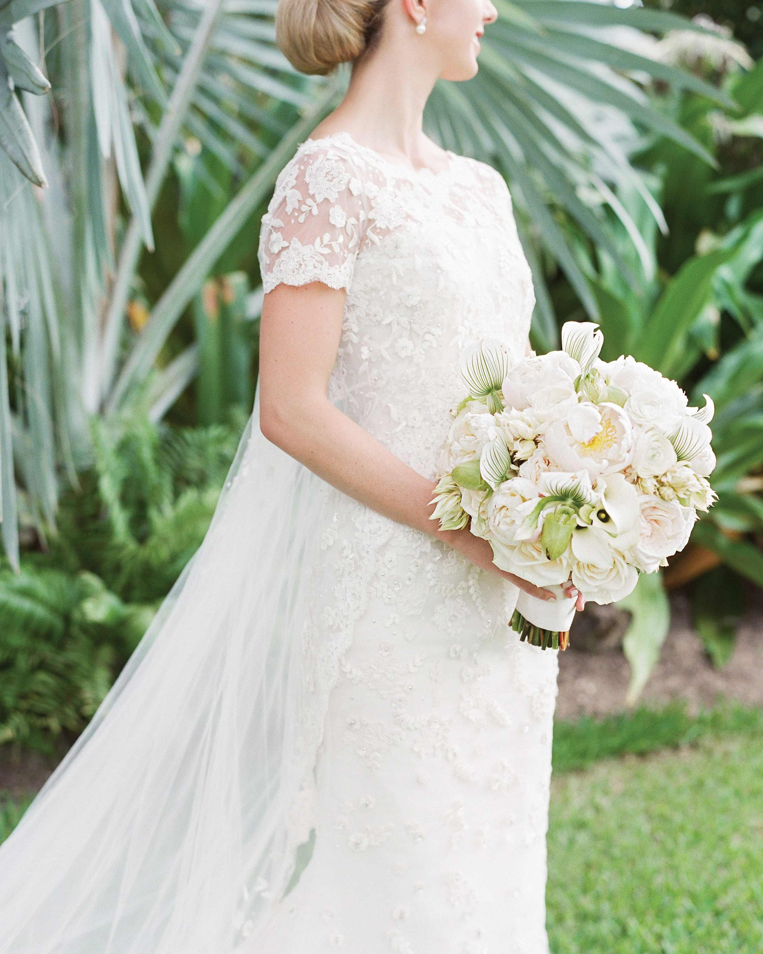 kelsey-casey-real-wedding-brides-dress-and-bouquet.jpg
