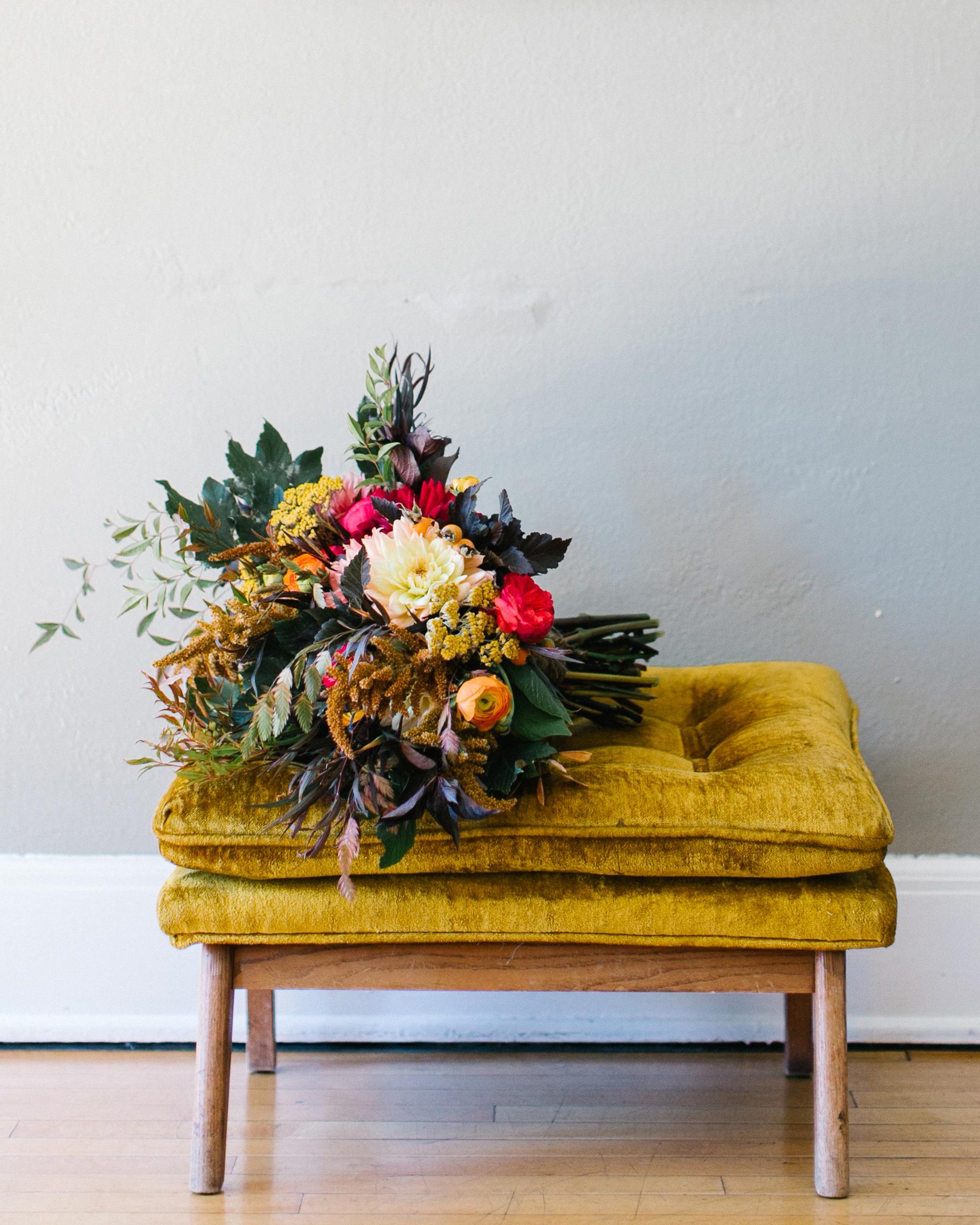 marguerita-aaron-wedding-bouquet-012-s111848-0214.jpg