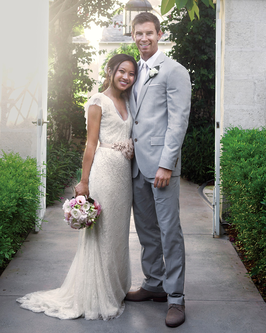 rw-anne-josh-bride-groom-2-mwd106057.jpg