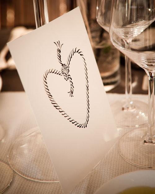 real-wedding-rose-gary-0411-tableicon.jpg