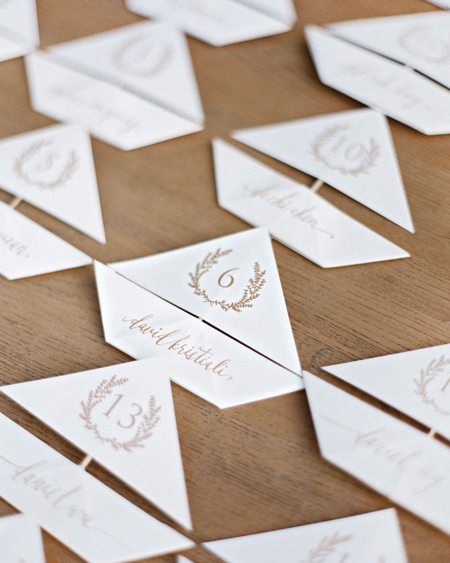 peony-richard-wedding-maldives-seating-cards-1888-s112383.jpg