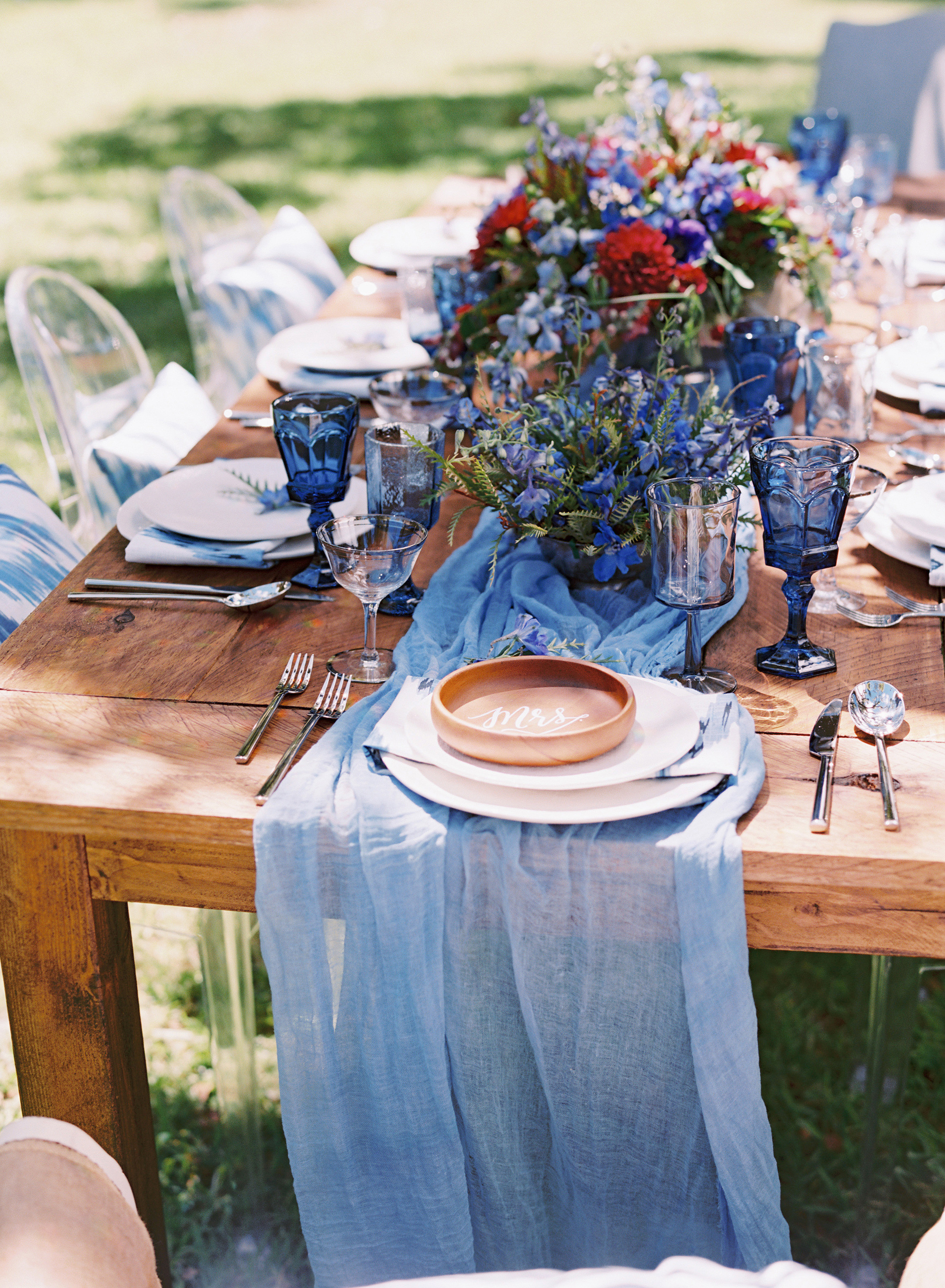 blue table settings
