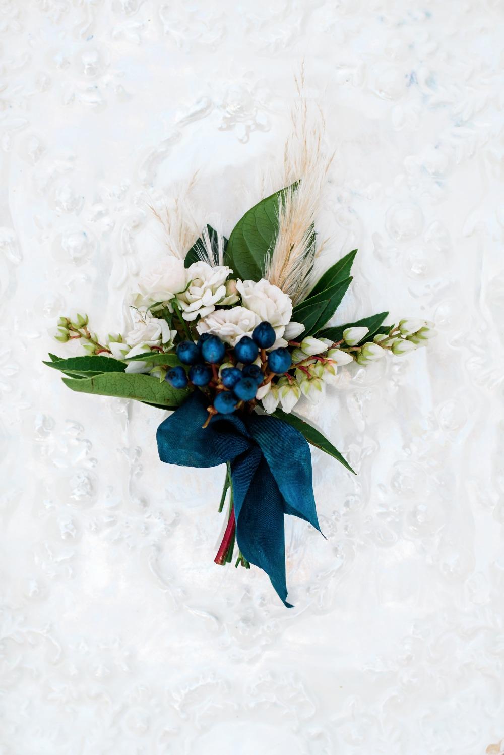 berry wedding ideas by scott and dana blueberry boutonniere