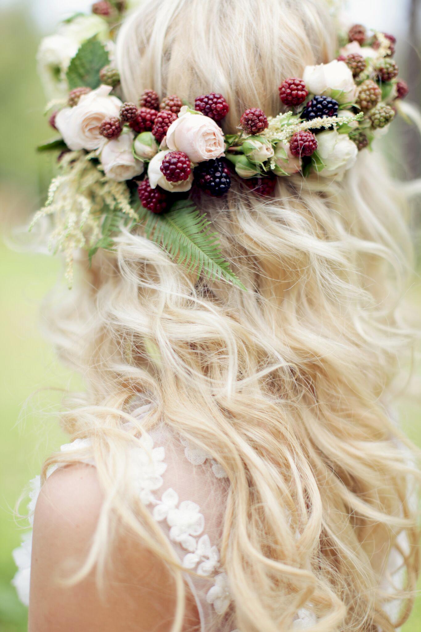 berry wedding ideas sonya khegay blackberry flower crown