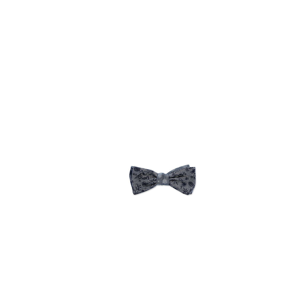 Casual Suit: Bow Tie