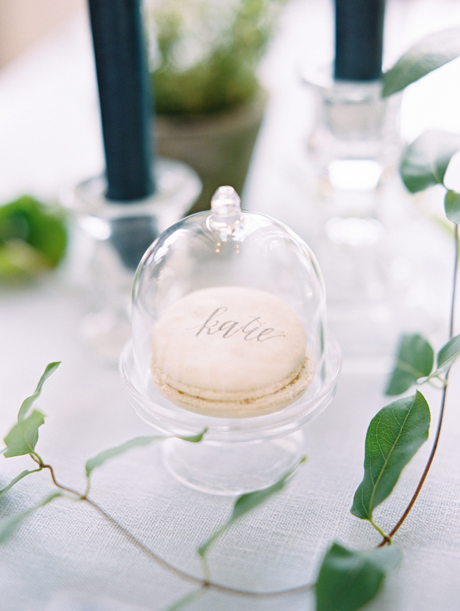 calligraphed macaron place card