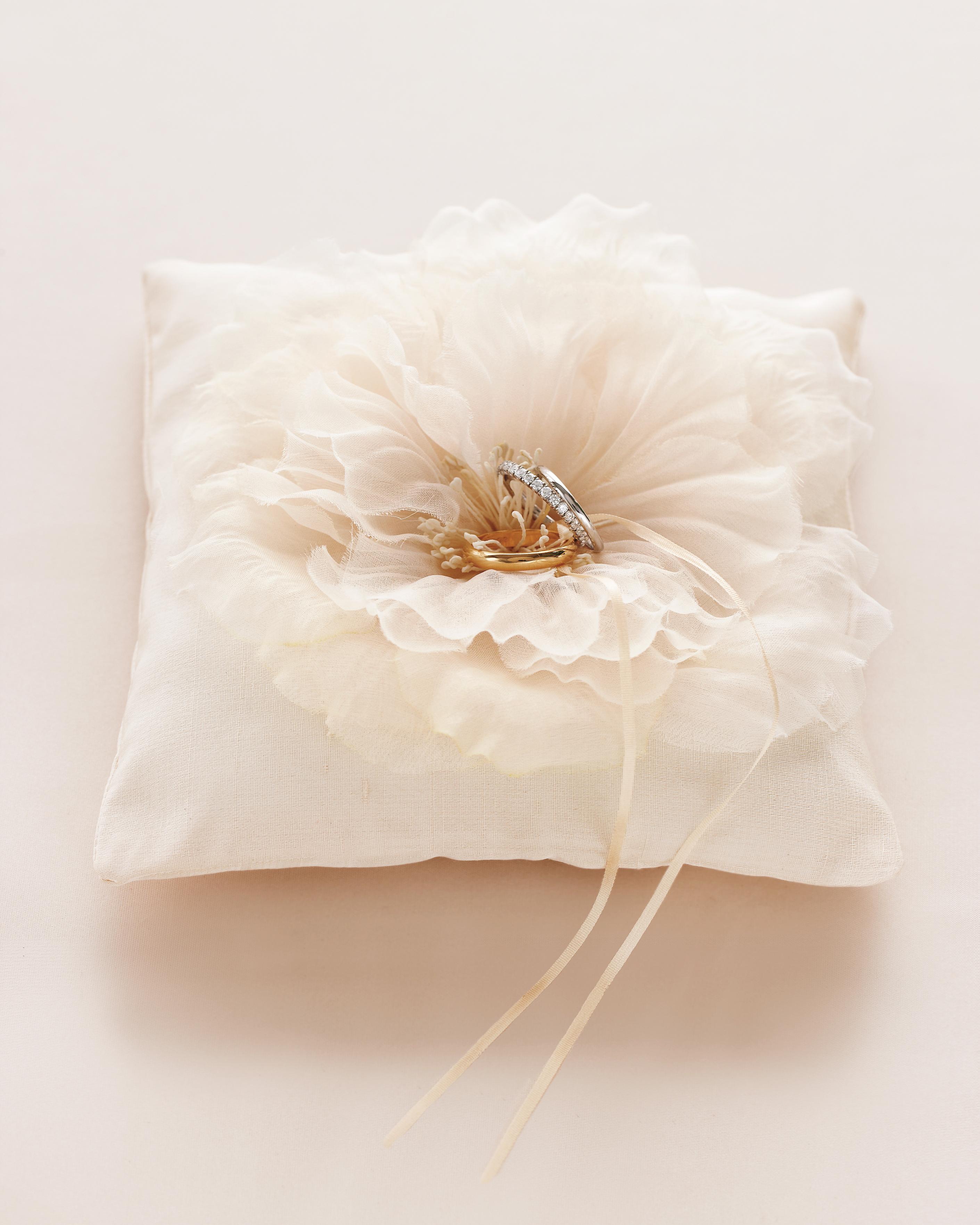 katie-james-ring-pillow-056-1-mwd108944.jpg