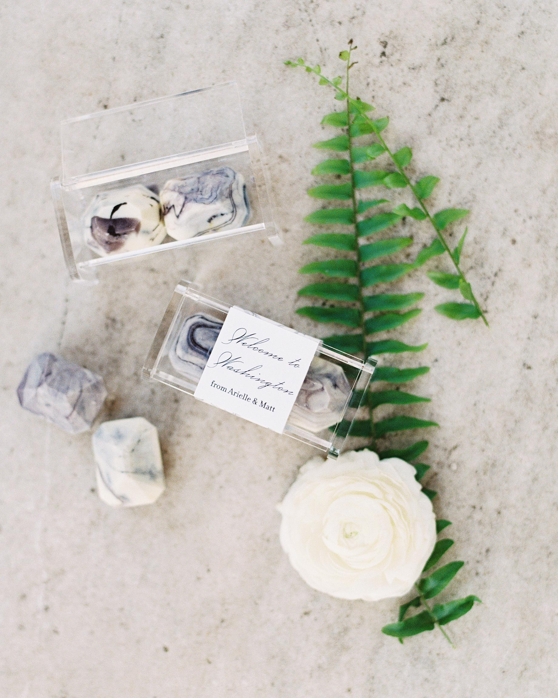 arielle-matt-wedding-chocolates-9-6134241-0716.jpg