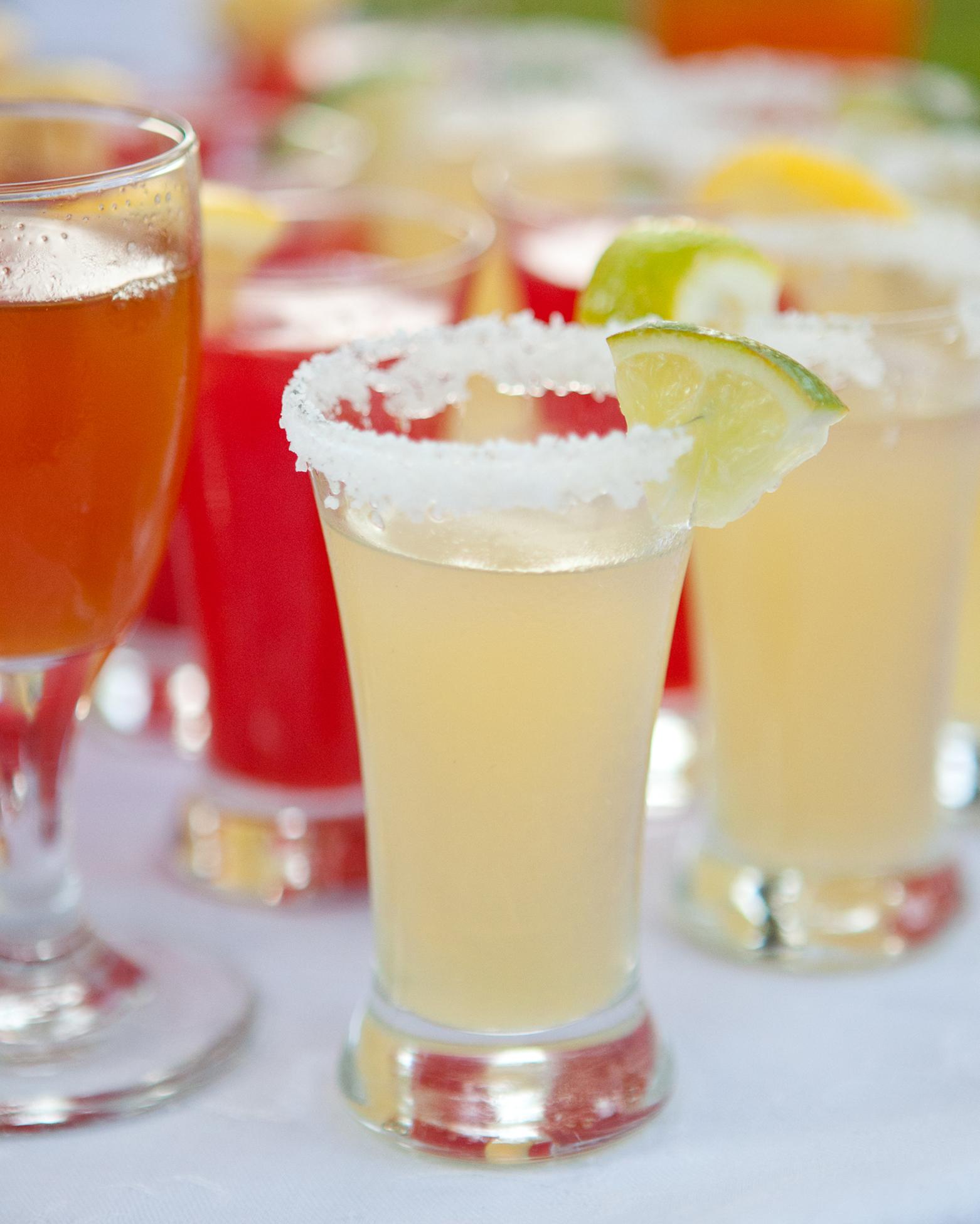 allison-tyler-drinks-1452-wds110384.jpg
