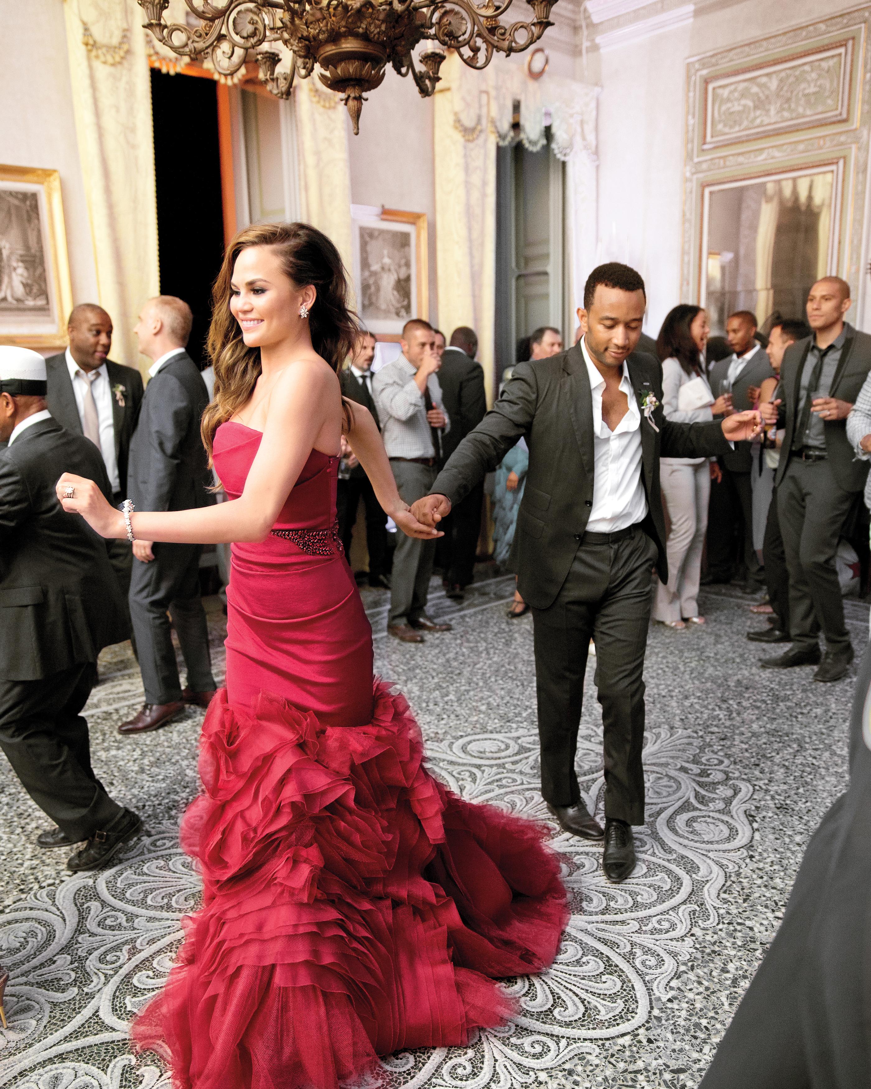 reception-bride-groom-firstdance-johnlegend-delesie0160-mwds110843.jpg