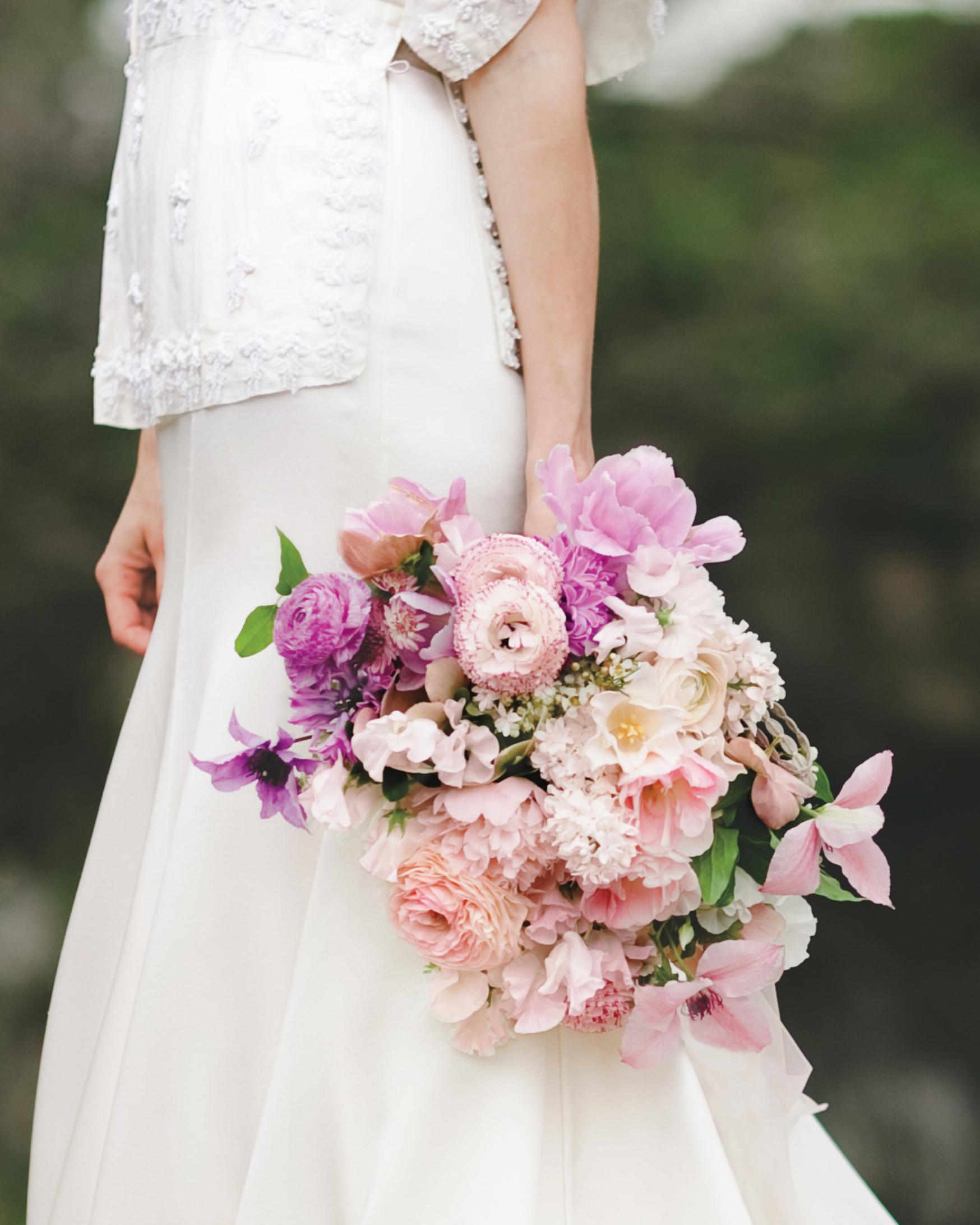 bouquet-weddinggown-winn-bowman-thenichols-263-mwds110732.jpg
