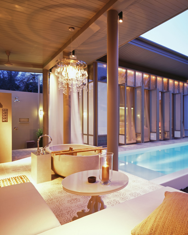 thailand-honeymoon-sala-phuket-hotel-bath-pool-0714.jpg